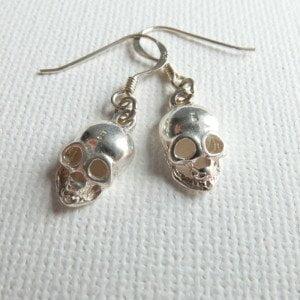 E001 - Skull Earrings